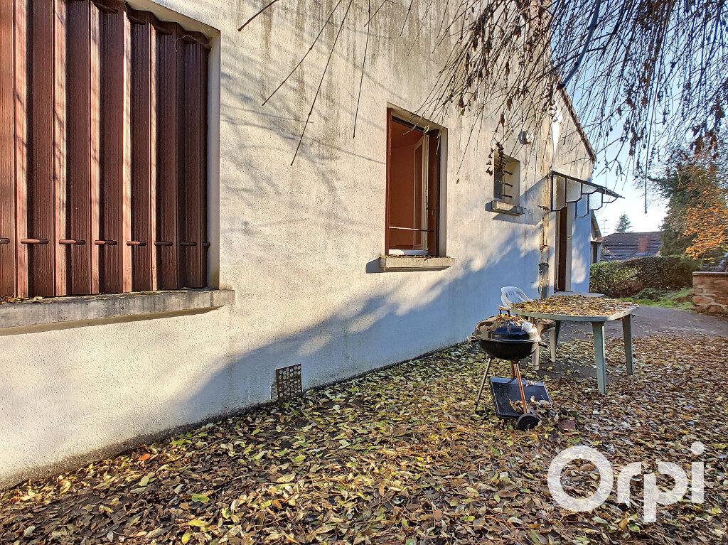 Maison à vendre 5 113m2 à Saint-Éloy-les-Mines vignette-12