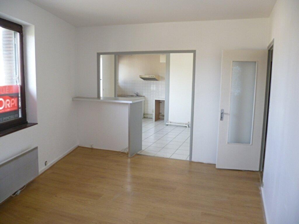Appartement à louer 2 56.4m2 à Saint-Étienne-de-Saint-Geoirs vignette-1
