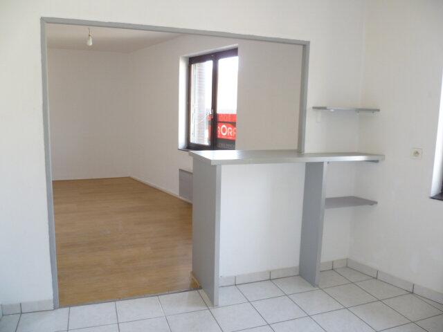 Appartement à louer 2 56.4m2 à Saint-Étienne-de-Saint-Geoirs vignette-2