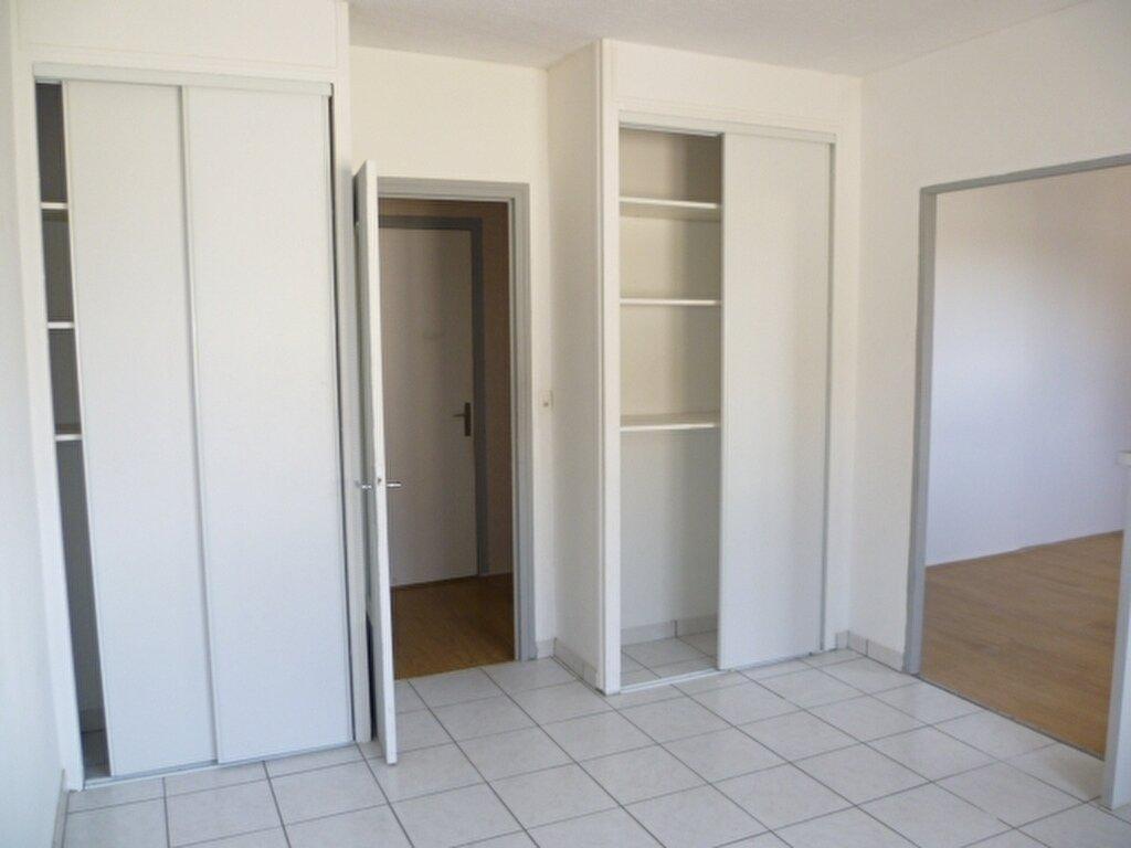 Appartement à louer 2 56.4m2 à Saint-Étienne-de-Saint-Geoirs vignette-5