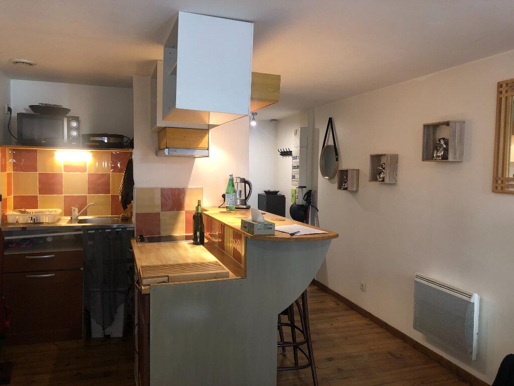 Appartement à louer 1 27.98m2 à Saint-Étienne-de-Saint-Geoirs vignette-4