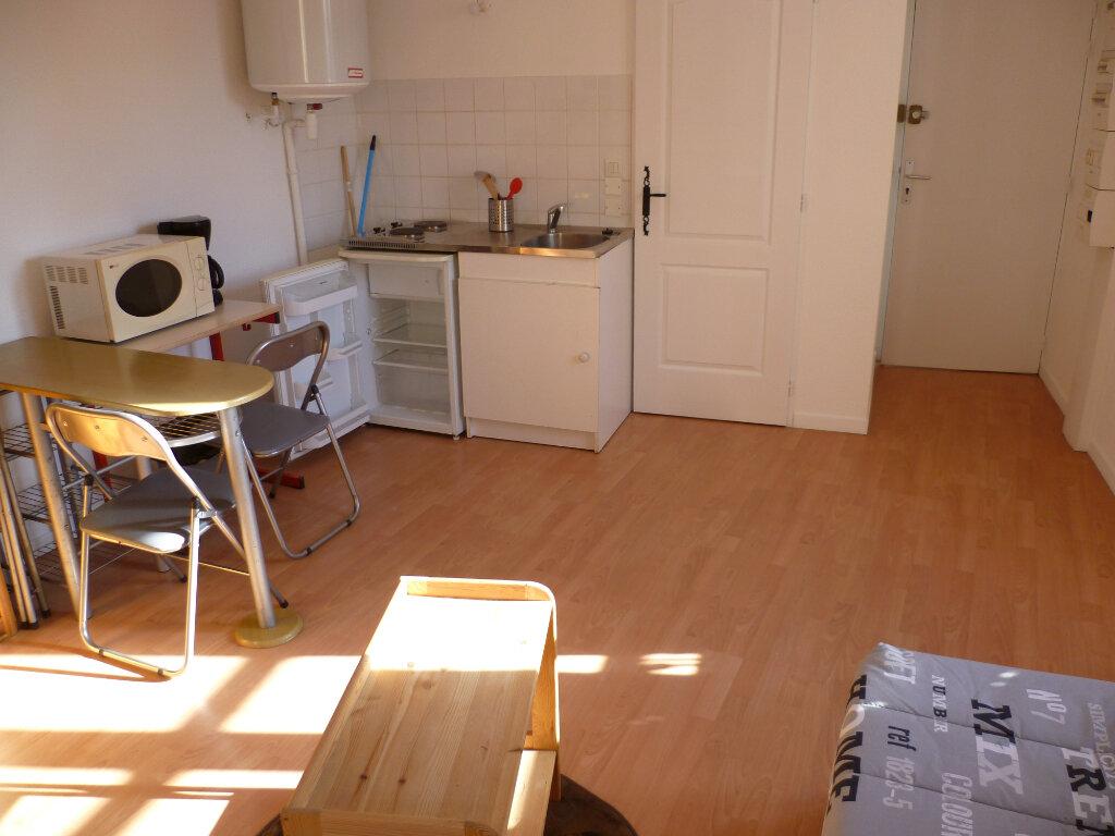 Appartement à louer 1 20m2 à Rives vignette-2