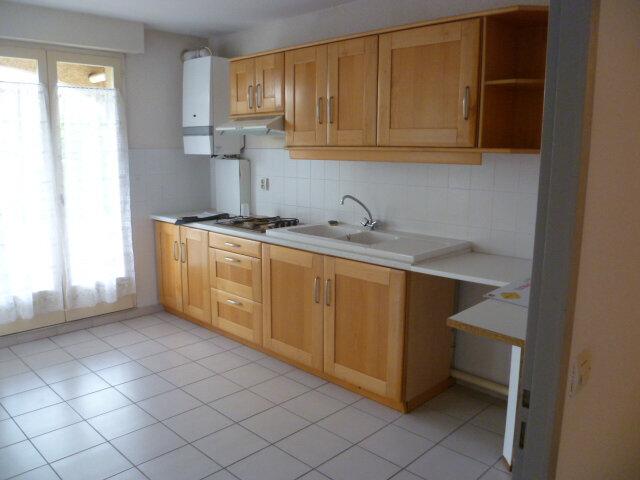 Appartement à louer 3 85.12m2 à Saint-Étienne-de-Saint-Geoirs vignette-2