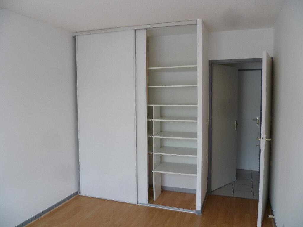 Appartement à louer 3 85.12m2 à Saint-Étienne-de-Saint-Geoirs vignette-7