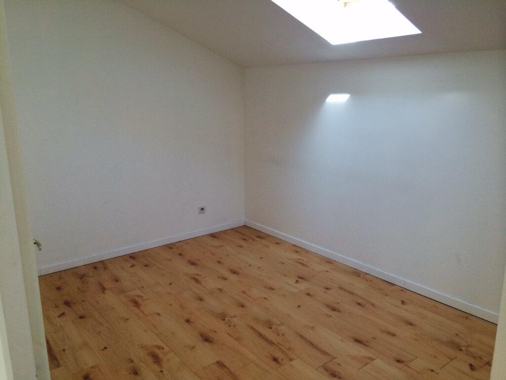 Maison à louer 4 72.83m2 à Beaucroissant vignette-9