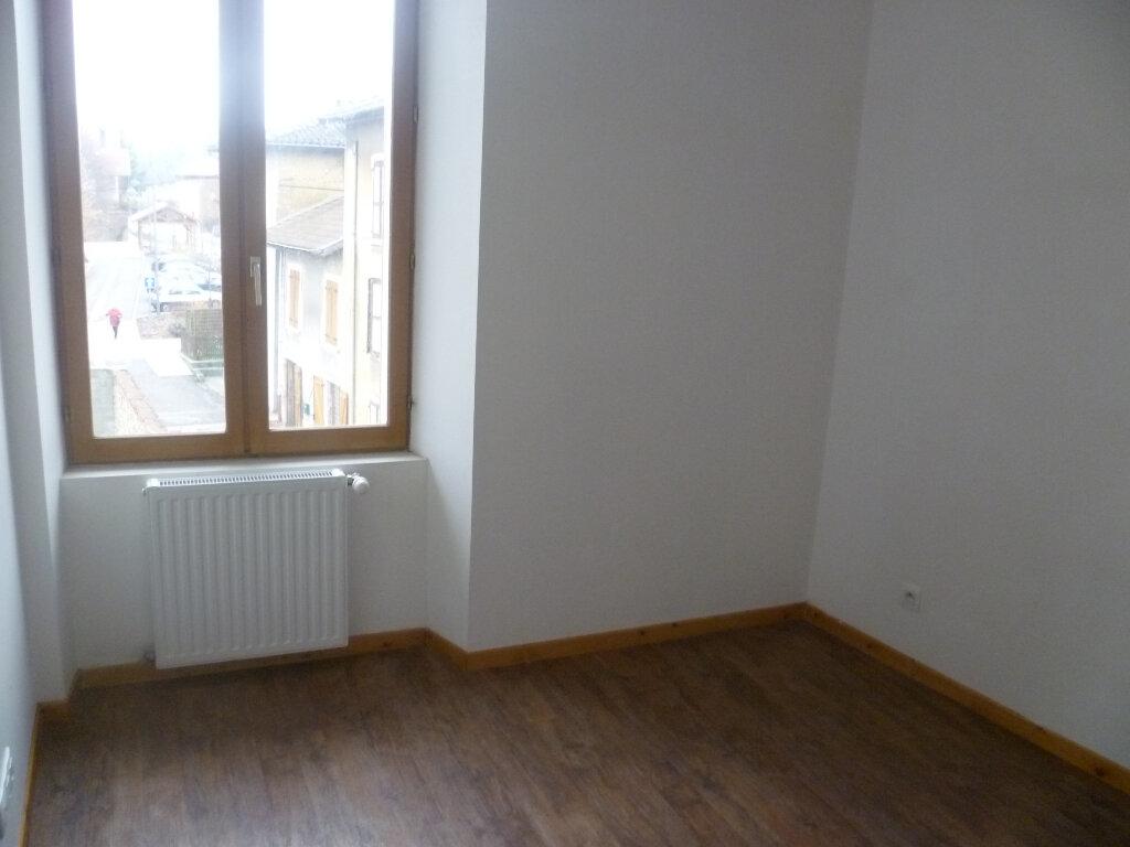 Appartement à louer 2 37m2 à Saint-Étienne-de-Saint-Geoirs vignette-4
