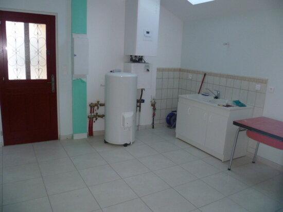 Maison à louer 5 127.64m2 à Sillans vignette-10