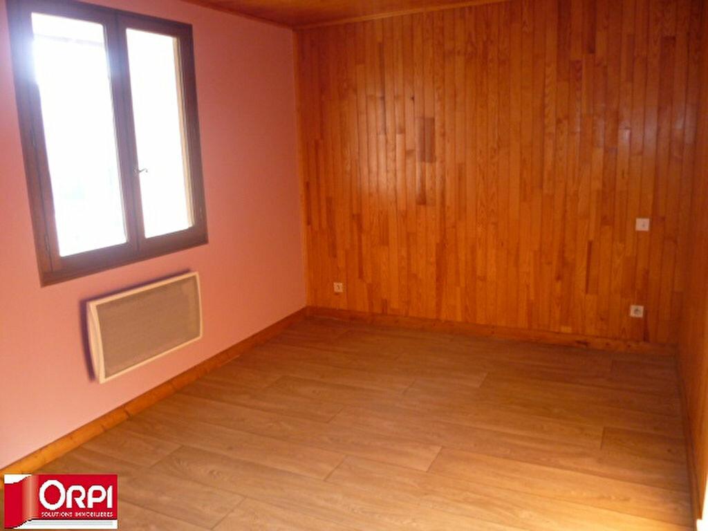 Appartement à louer 3 54.8m2 à Brézins vignette-4
