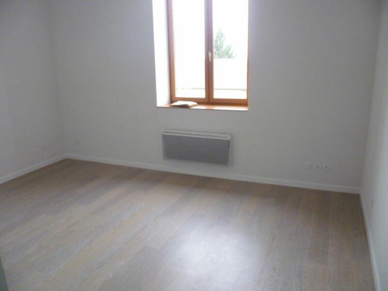 Appartement à louer 1 30.11m2 à Saint-Siméon-de-Bressieux vignette-2