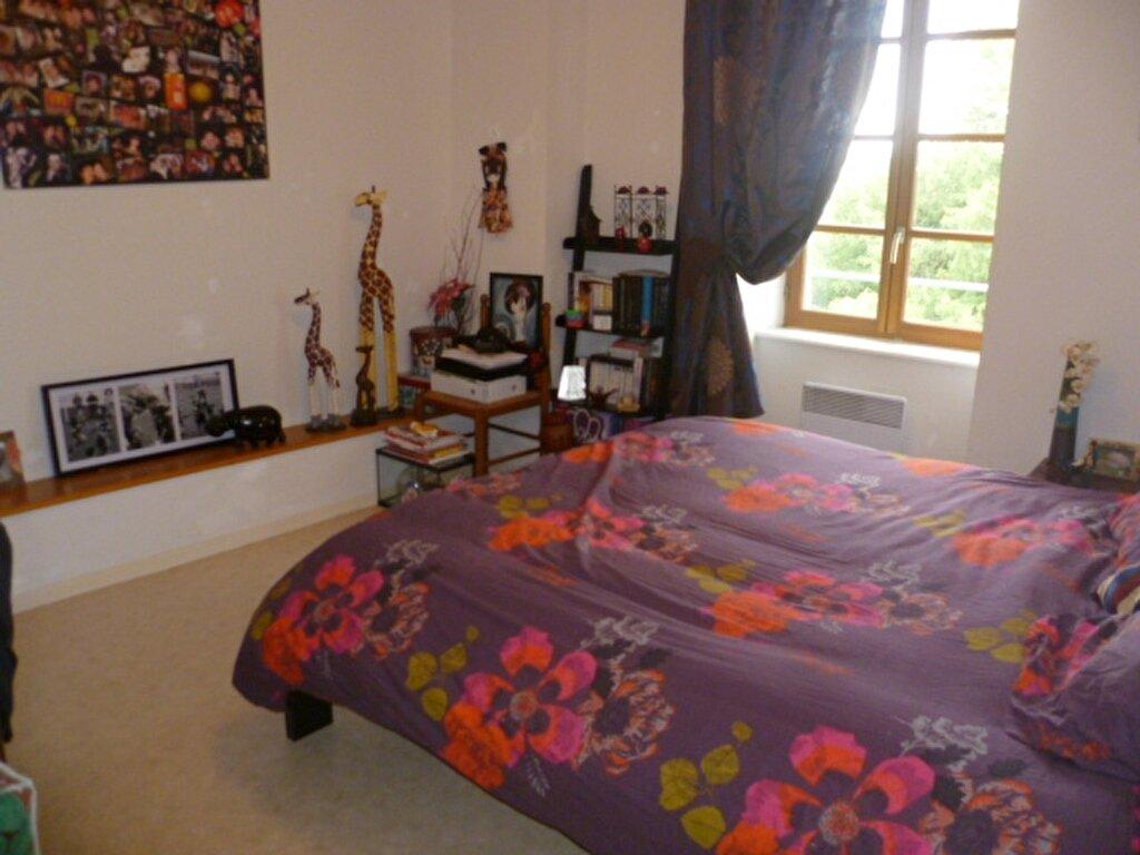 Appartement à louer 3 53m2 à Saint-Étienne-de-Saint-Geoirs vignette-3
