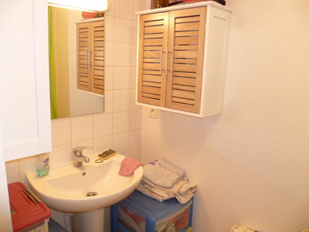Appartement à louer 3 53m2 à Saint-Étienne-de-Saint-Geoirs vignette-8