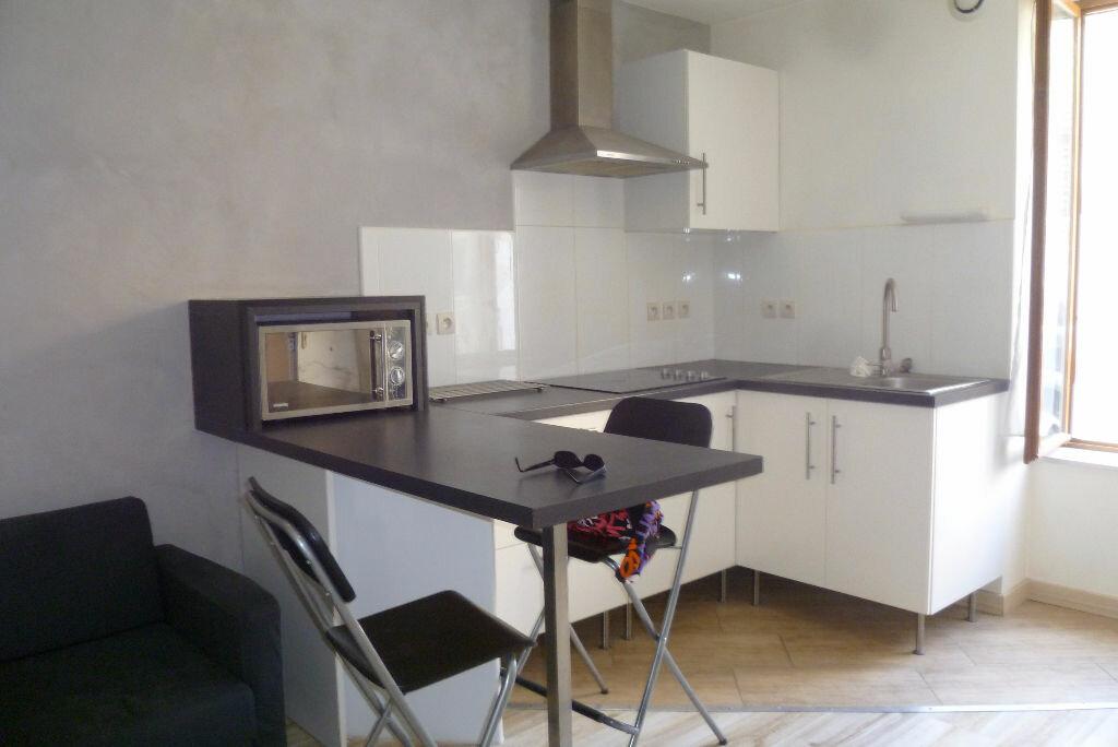 Appartement à louer 2 35.95m2 à La Côte-Saint-André vignette-1