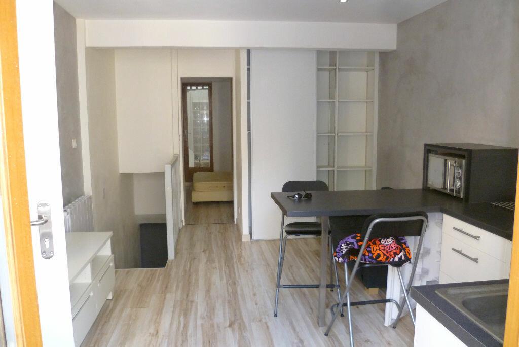 Appartement à louer 2 35.95m2 à La Côte-Saint-André vignette-2