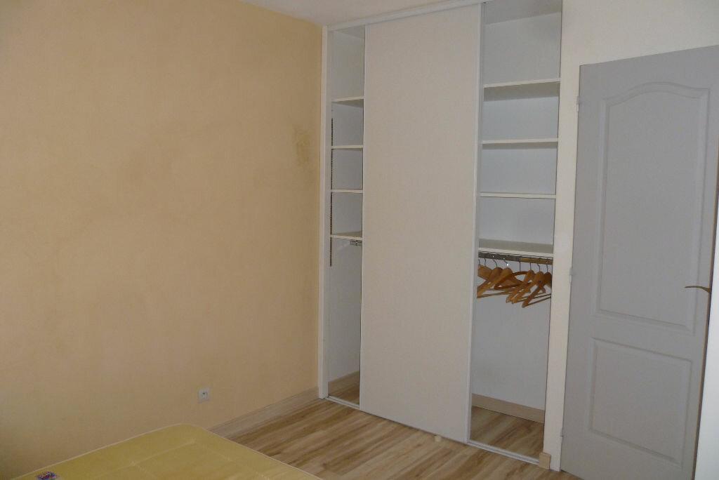 Appartement à louer 2 35.95m2 à La Côte-Saint-André vignette-3