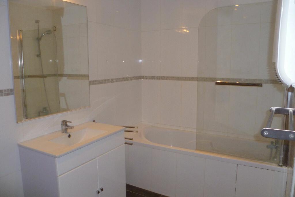 Appartement à louer 2 35.95m2 à La Côte-Saint-André vignette-4