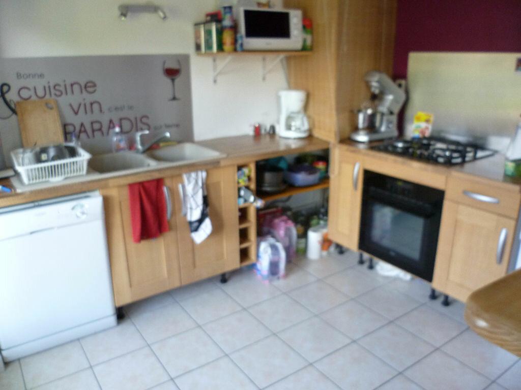Appartement à louer 3 59.68m2 à Saint-Étienne-de-Saint-Geoirs vignette-3