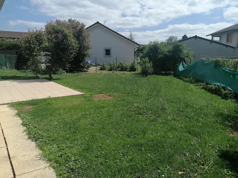 Maison à louer 4 73m2 à Saint-Étienne-de-Saint-Geoirs vignette-3