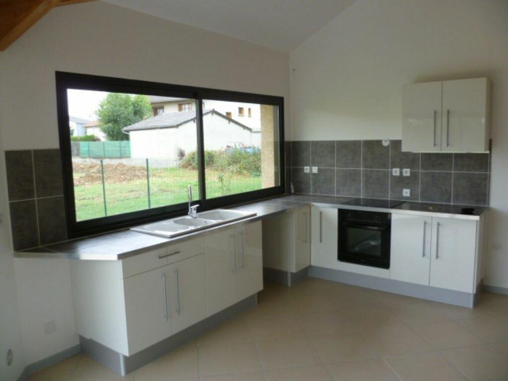 Maison à louer 4 73m2 à Saint-Étienne-de-Saint-Geoirs vignette-4