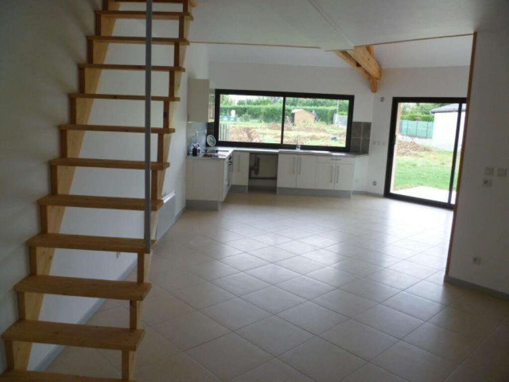 Maison à louer 4 73m2 à Saint-Étienne-de-Saint-Geoirs vignette-5