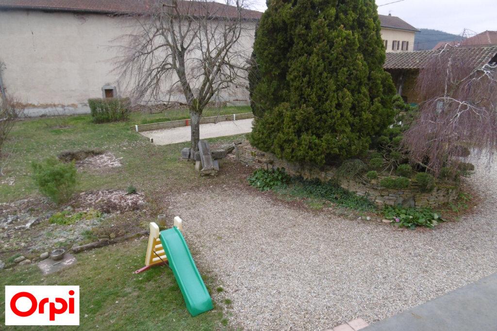 Maison à vendre 7 230m2 à Saint-Siméon-de-Bressieux vignette-6