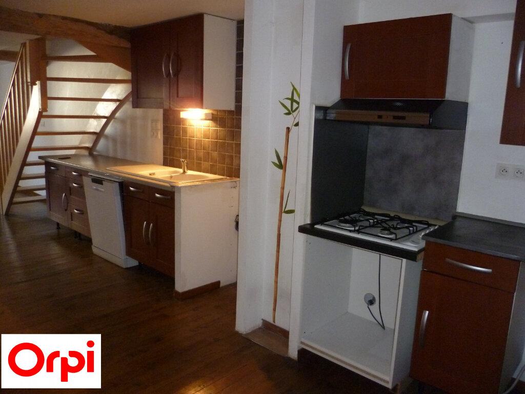 Appartement à louer 4 74.6m2 à Saint-Étienne-de-Saint-Geoirs vignette-2