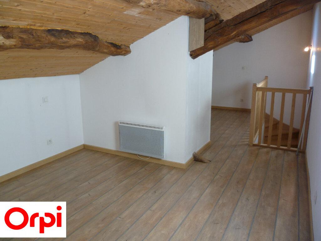 Appartement à louer 4 74.6m2 à Saint-Étienne-de-Saint-Geoirs vignette-4