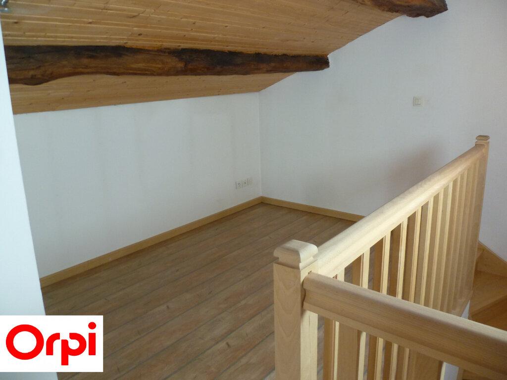 Appartement à louer 4 74.6m2 à Saint-Étienne-de-Saint-Geoirs vignette-5