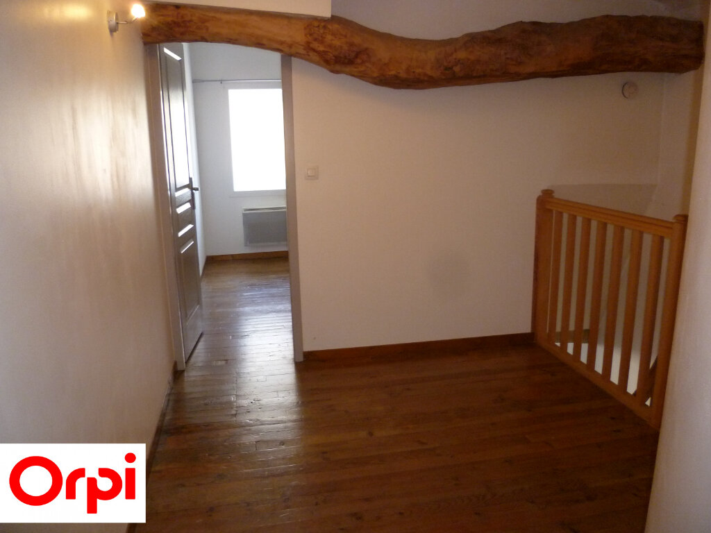 Appartement à louer 4 74.6m2 à Saint-Étienne-de-Saint-Geoirs vignette-7