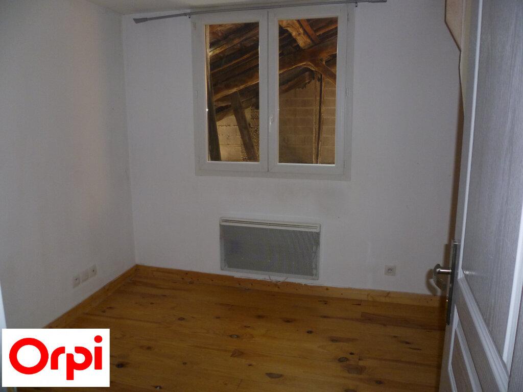 Appartement à louer 4 74.6m2 à Saint-Étienne-de-Saint-Geoirs vignette-8