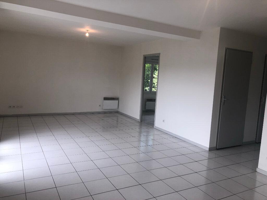 Appartement à louer 3 58.35m2 à Brézins vignette-4