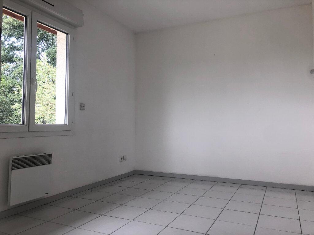 Appartement à louer 3 58.35m2 à Brézins vignette-5
