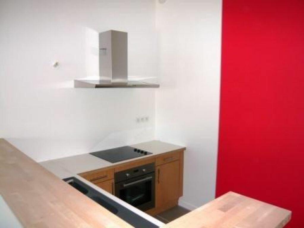 Appartement à louer 3 71m2 à Romans-sur-Isère vignette-2
