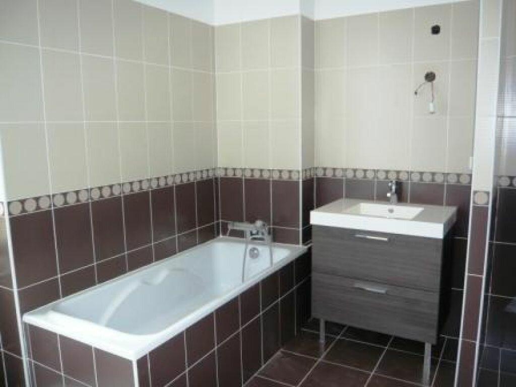 Appartement à louer 3 71m2 à Romans-sur-Isère vignette-3
