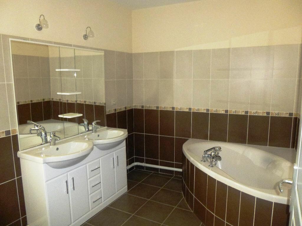 Appartement à louer 3 84m2 à Chavannes vignette-6