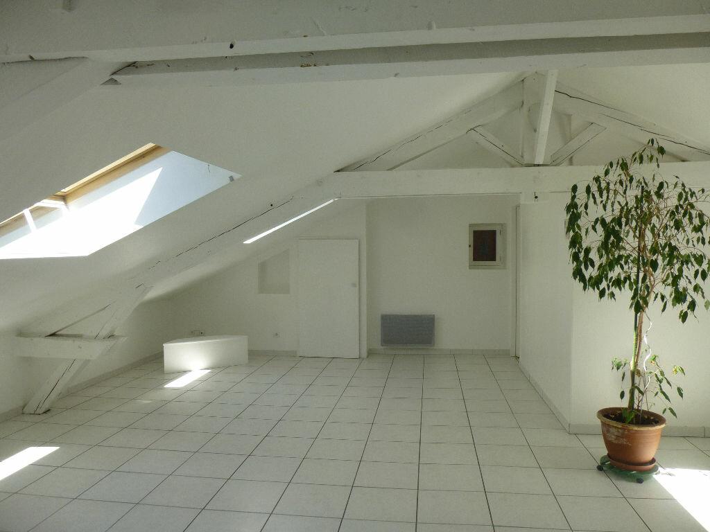 Appartement à louer 3 70m2 à Romans-sur-Isère vignette-1
