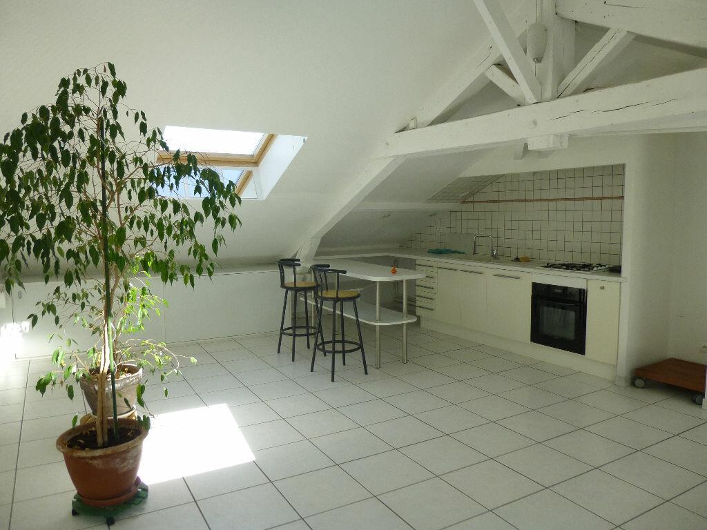 Appartement à louer 3 70m2 à Romans-sur-Isère vignette-2