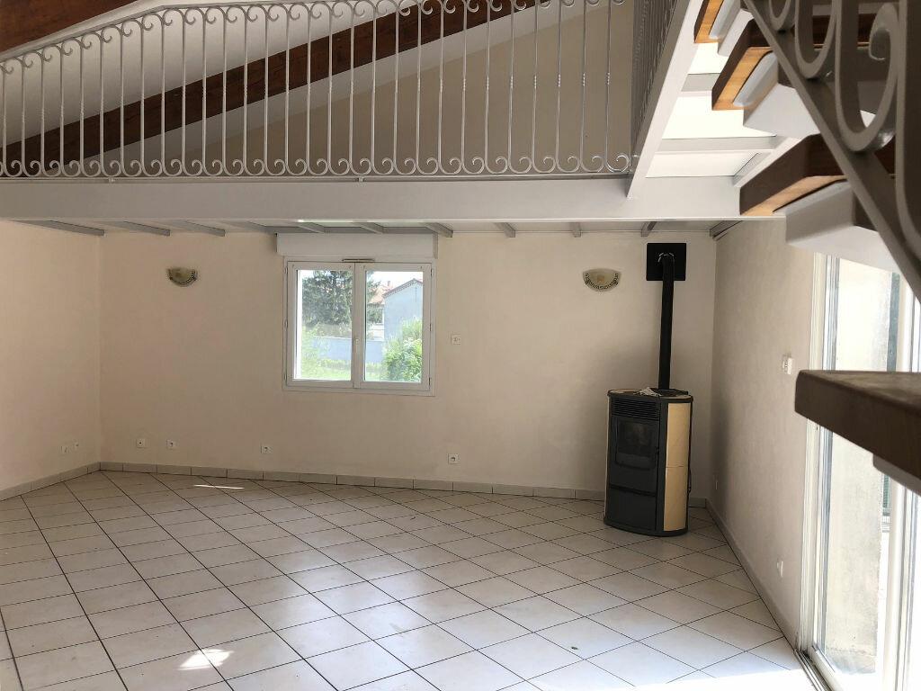 Appartement à louer 3 82.31m2 à Montélimar vignette-2