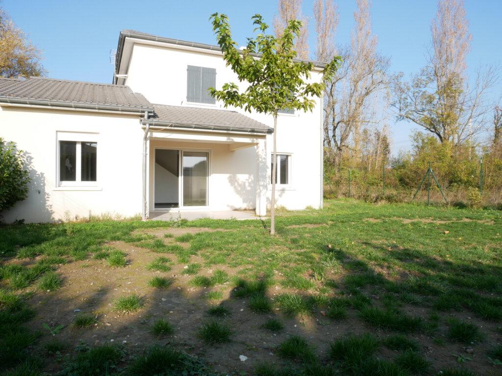 Maison à vendre 5 104m2 à Montélimar vignette-1