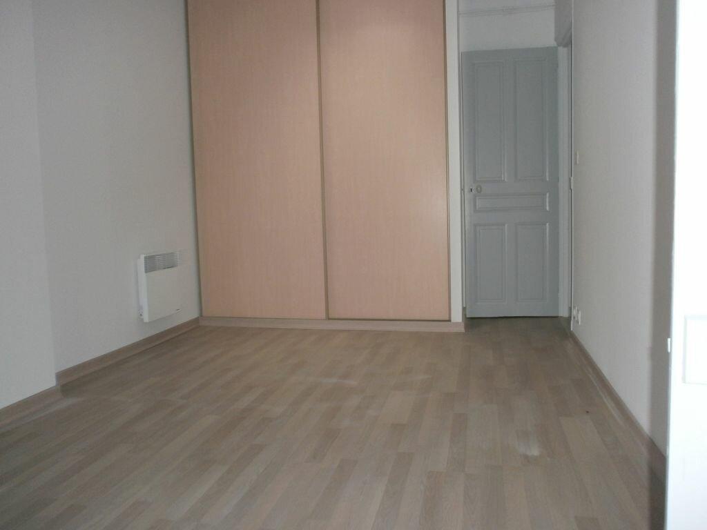 Appartement à louer 2 38m2 à Montélimar vignette-4