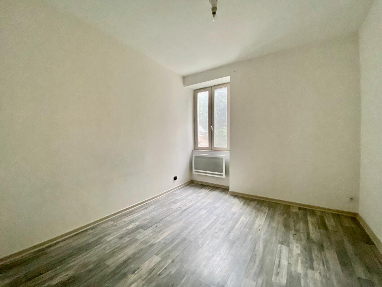 Appartement à louer 3 54m2 à Montboucher-sur-Jabron vignette-3