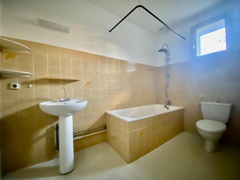 Appartement à louer 3 54m2 à Montboucher-sur-Jabron vignette-5