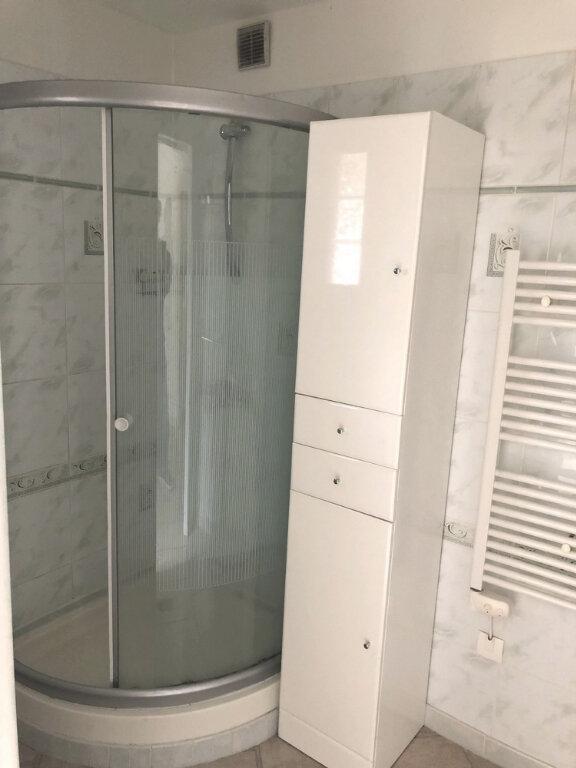 Appartement à louer 2 46.2m2 à Montélimar vignette-4