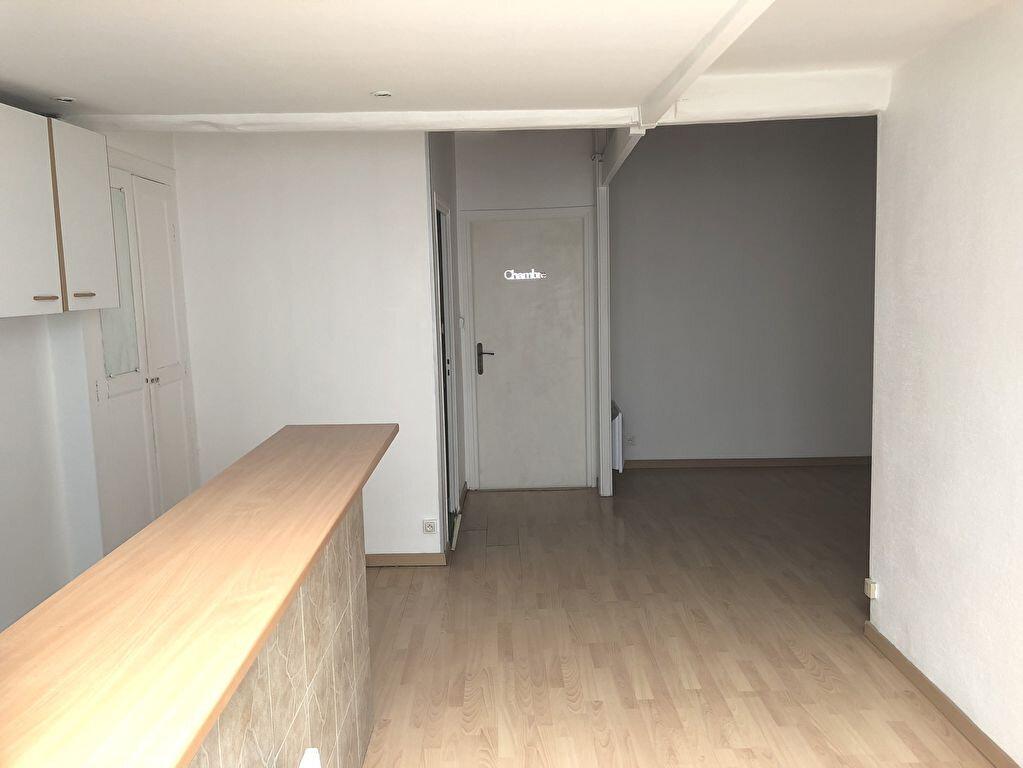 Appartement à louer 2 44.3m2 à Montélimar vignette-5