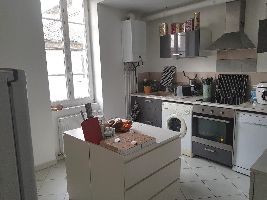 Appartement à louer 3 66.74m2 à Montélimar vignette-3