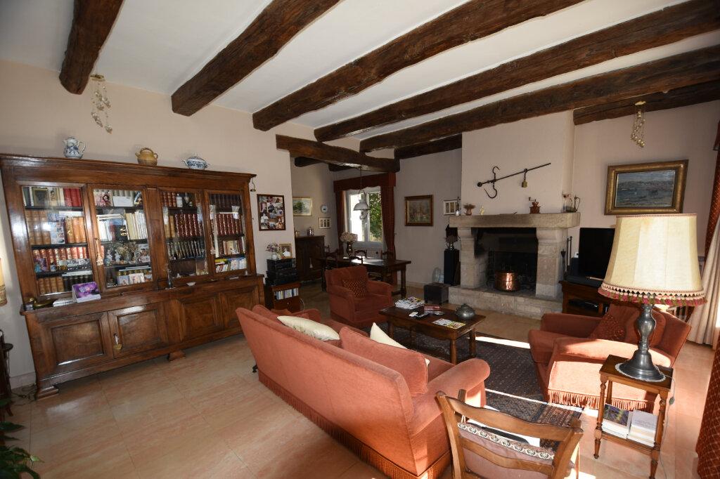 Maison à vendre 8 190m2 à Les Vans vignette-3
