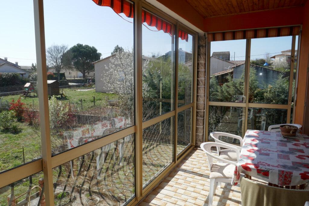 Maison à vendre 6 106m2 à Lablachère vignette-4