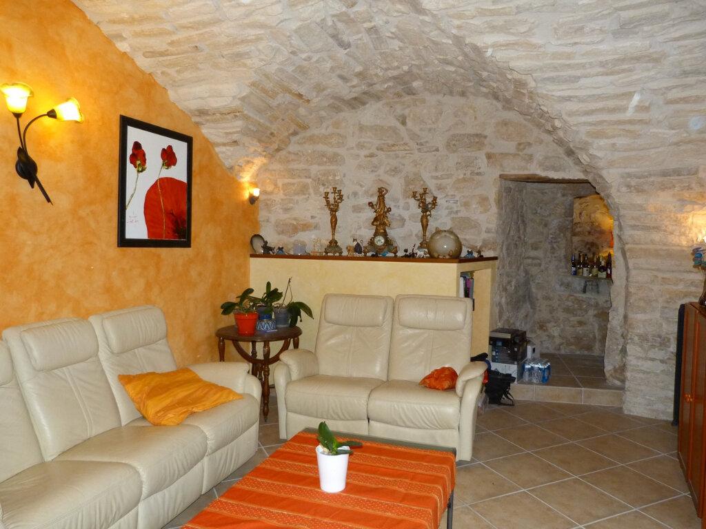 Maison à vendre 7 200m2 à Rochegude vignette-3