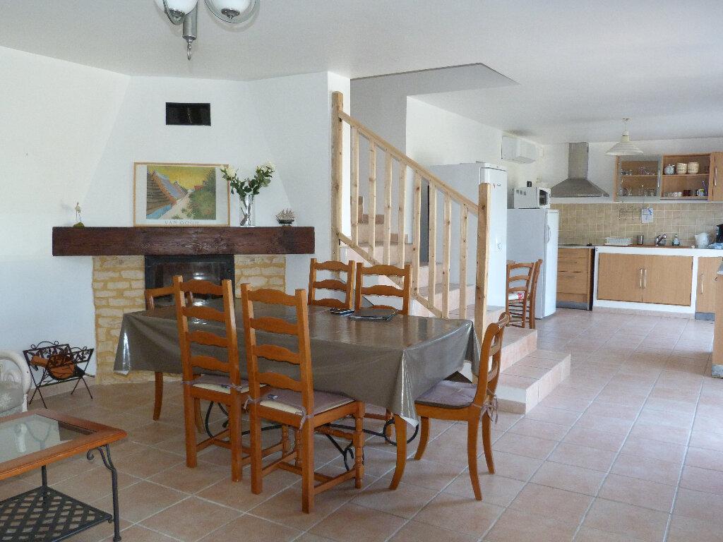 Maison à vendre 4 112m2 à Saint-Ambroix vignette-2
