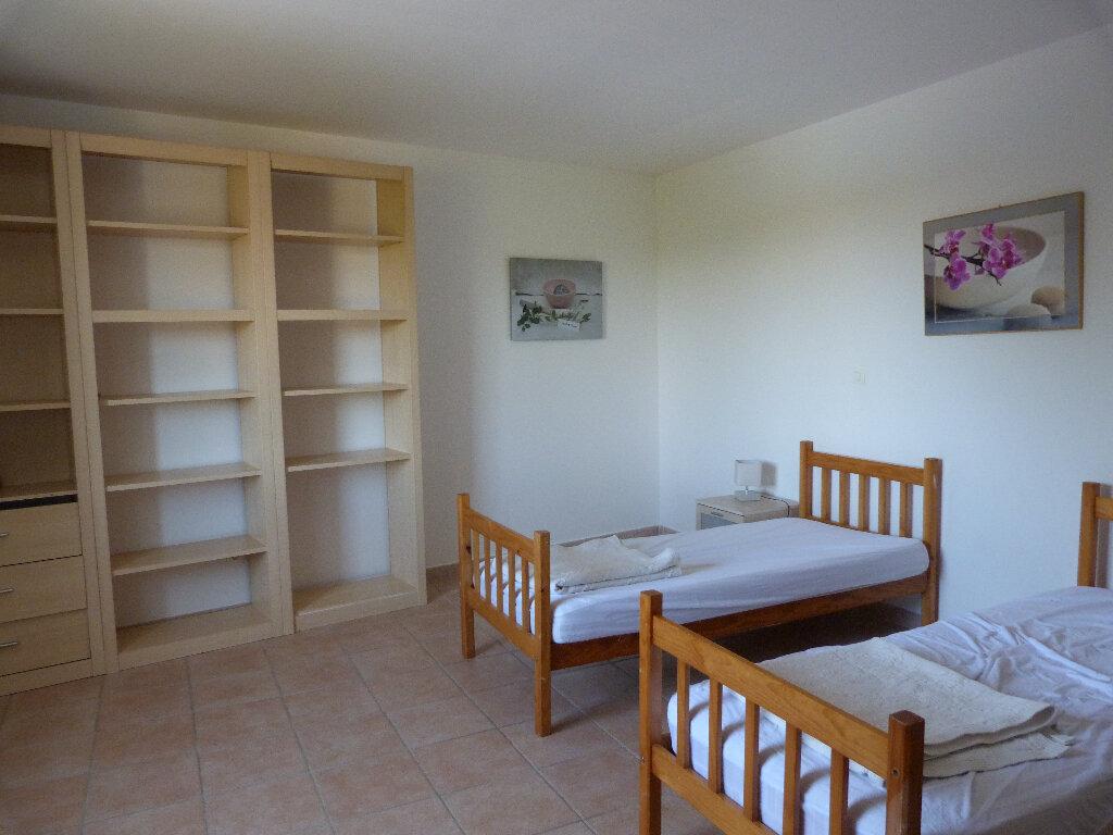 Maison à vendre 4 112m2 à Saint-Ambroix vignette-5