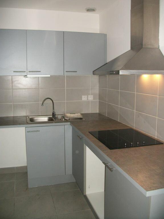 Appartement à louer 2 52m2 à Lansargues vignette-2